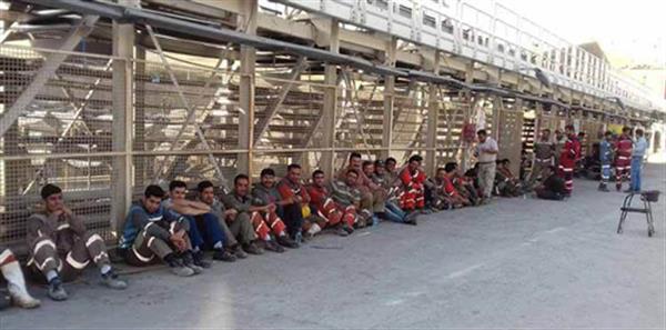 ادامه تجمع اعتراضی کارگران معدن کانی سیب پیرانشهر