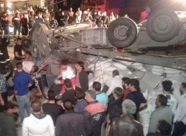 کشته و زخمی شدن 4 نفر در تصادف جاده ای در محور سقز- دیواندره