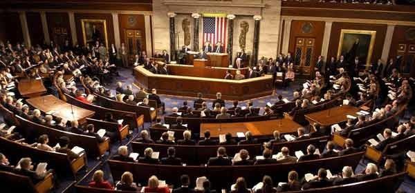 پنجاه عضو کنگره از دونالد ترامپ خواستند که باقیمانده معافیت های هسته ای ایران را لغو کند