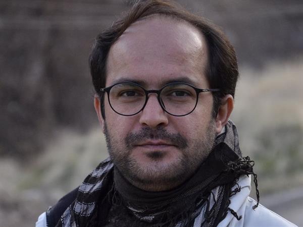 دست تظلّم و تحشیەای بر زجر زبان در دفاع از اعتصاب غذای زندانی سیاسی، محمد نظری