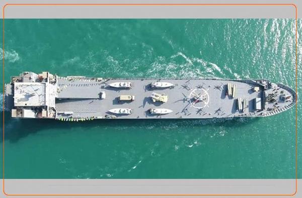 کارشناسان نظامی: ناو جدید سپاه یک کشتی تجاری رنگ شده است