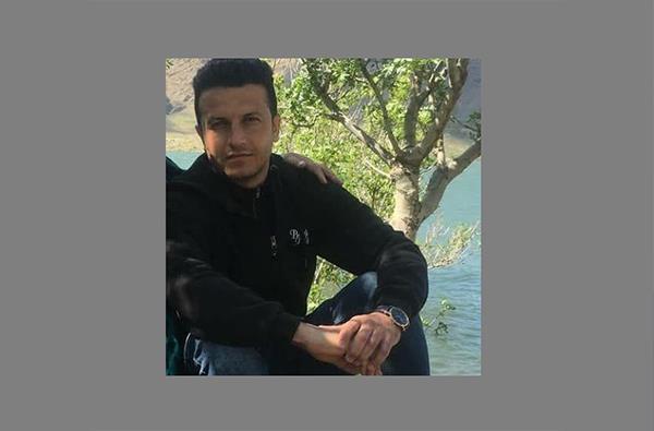 سقز: یک فعال مدنی جهت سپری کردن دوران محکومیتش خود را به زندان این شهر معرفی کرد
