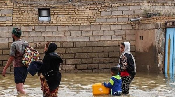 شهروندان مناطق سیل زده در کرمانشاه، همچنان با بحران مدیریتی مسئولین روبرو هستند